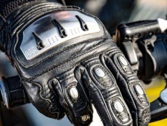 comment bien choisir ses gants de moto pour une balade ?